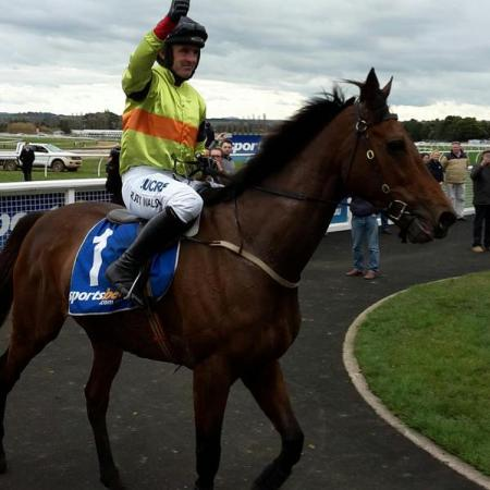 Ruby Walsh wins 2015 Grand National on Batboy at Ballarat