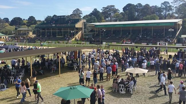 Oakbank Racing Club, Adelaide Hills | South Australian Jumps Racing